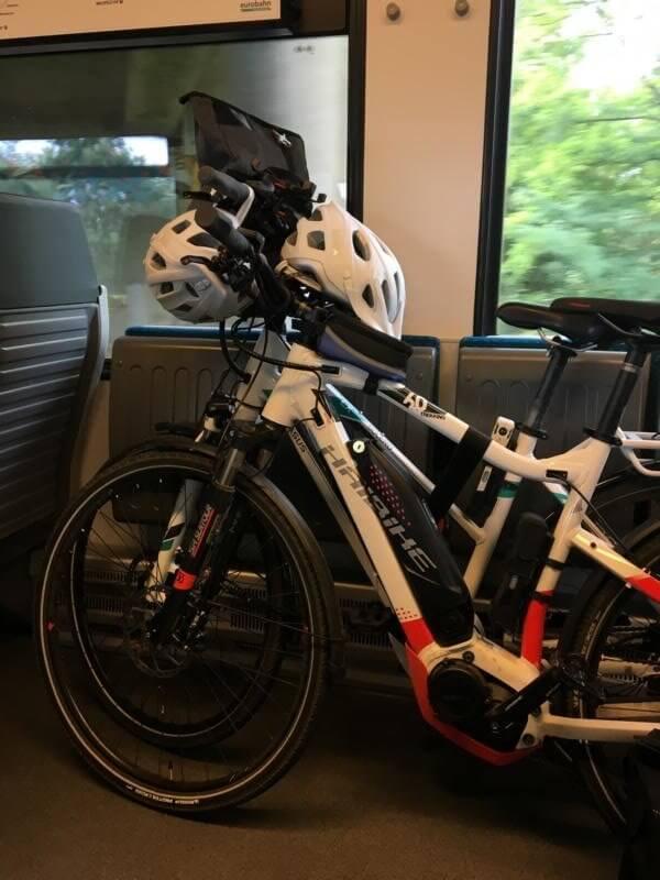 Pedelec und Bahn fahren klappt sehr gut - mit dem Pedelec auf dem Weser-Radweg