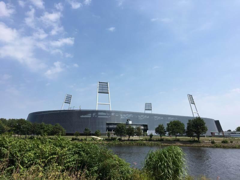 Weser Stadion Bremen - mit dem Pedelec auf dem Weser-Radweg