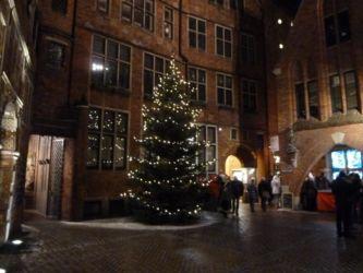 Winterliche Böttcherstraße Bremen Weihnachtsbaum