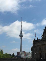 Berlin Fernmeldeturm 32 mit Restaurant auf 207 Meter Höhe